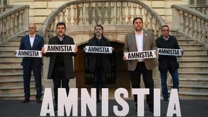 Los presos piden la amnistía en un acto organizado por Òmnium Cultural.