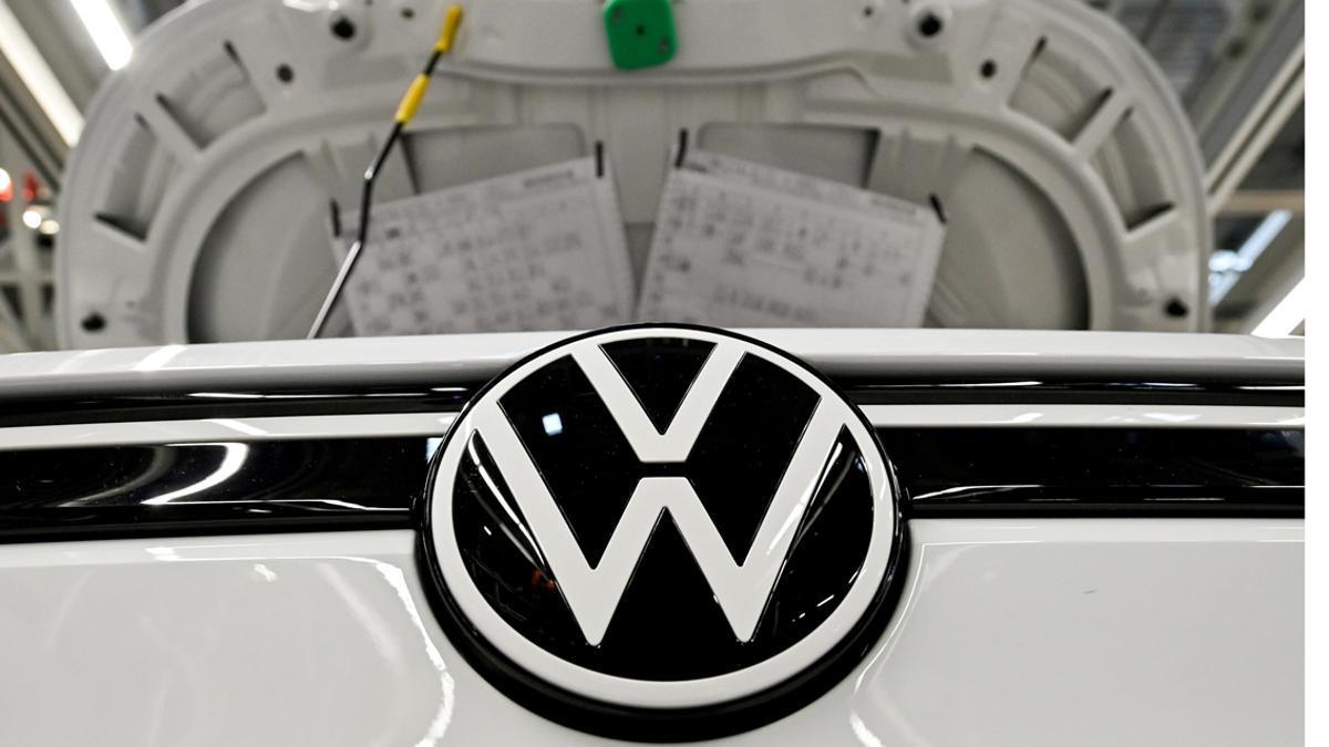 Logo de Volkswagen en un ID.3