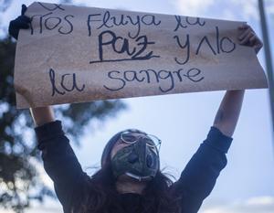 Protesta celebrada en Bogotá, Colombia, por las recientes masacres ocurridas en varias zonas rurales del país, donde los grupos armados se disputan las rentas de los cultivos ilícitos dejados tras las demosvilización de la extinta guerrilla de las FARC.