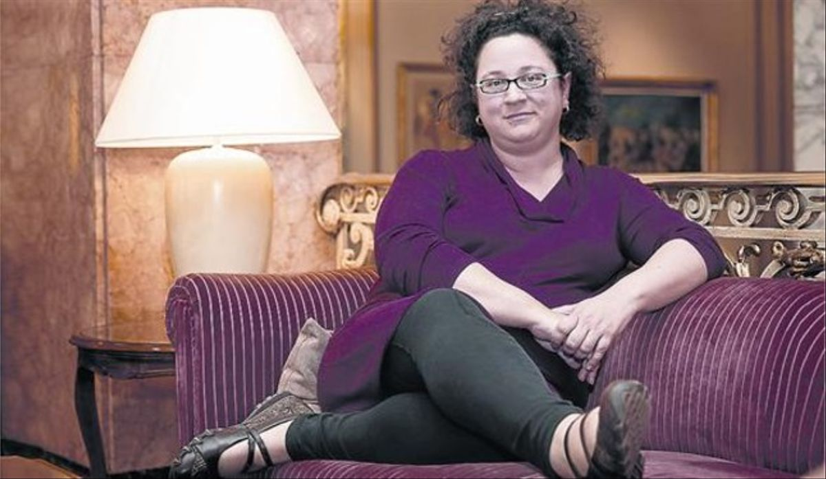 La escritora de novela negra británica Sophie Hannah, ayer en un céntrico hotel de Barcelona.