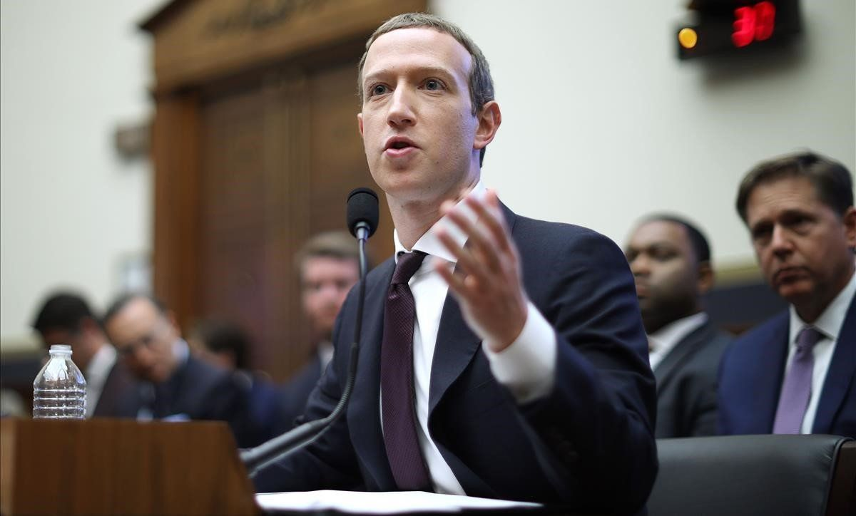 Mark Zuckerberg declara en la House Financial Services Committee en Washington.