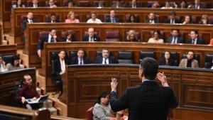 Pedro Sánchez durante la sesión de control en el Congreso.