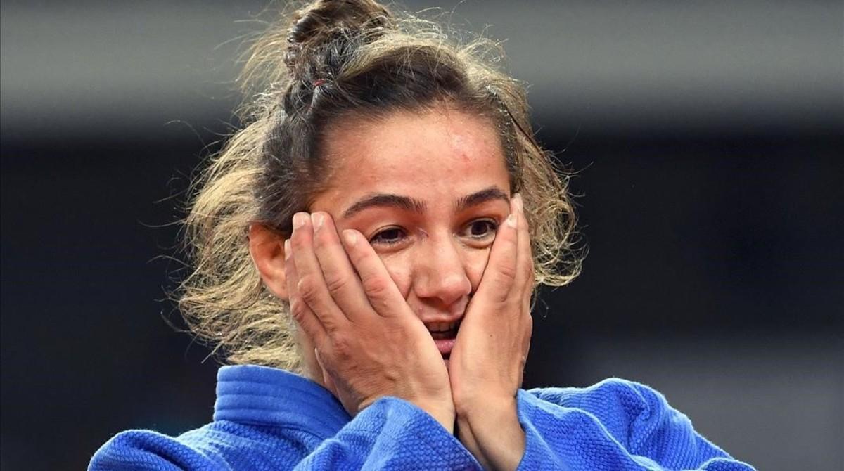 Majlinda Kelmendi expresa su emoción tras ganar el combate a la italiana Odette Giuffrida.