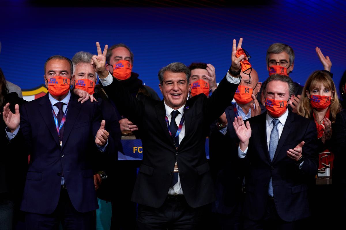 Joan Laporta, triunfante en la noche electoral.