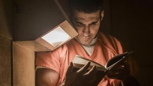 Miguel Ángel Silvestre, como Pablo Ibar en la serie 'En el corredor de la muerte'.