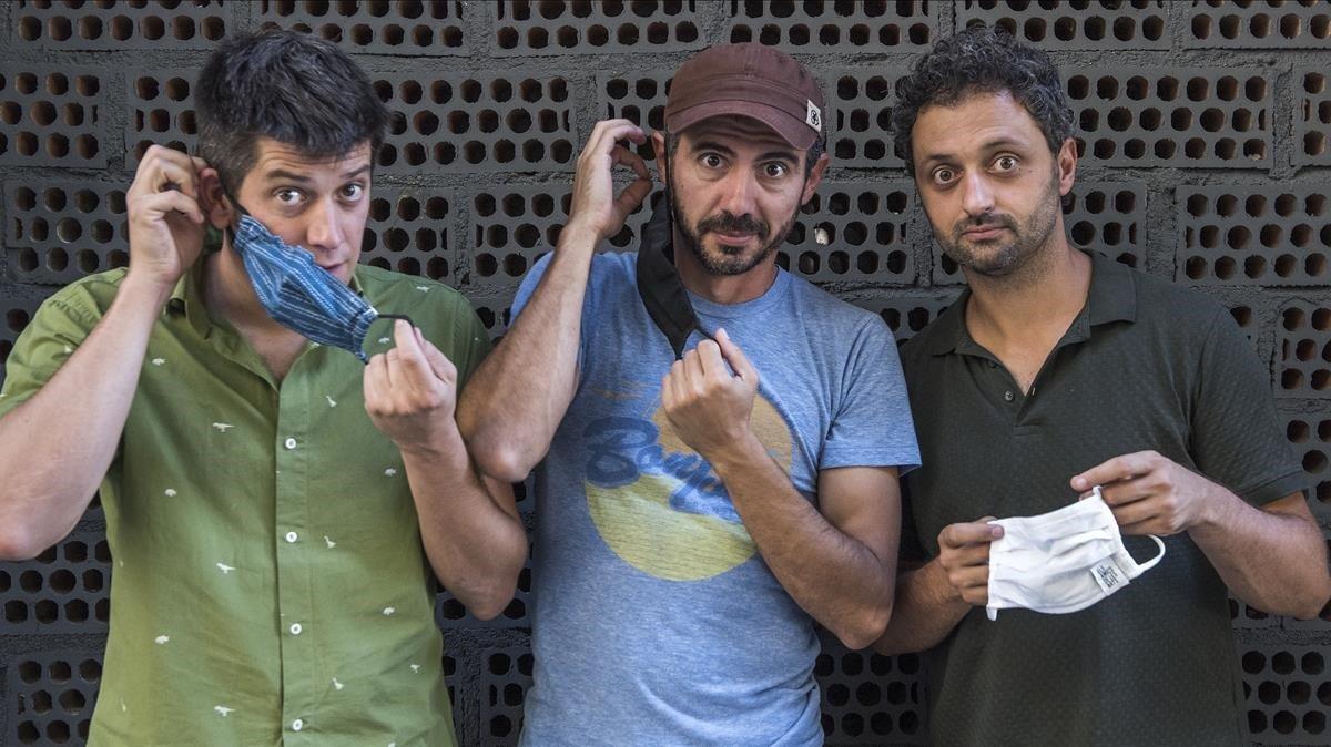 Els Amics de les Artes, con Dani Alegret, Ferran Piqué y Joan Enric Barceló de izquierda a derecha.