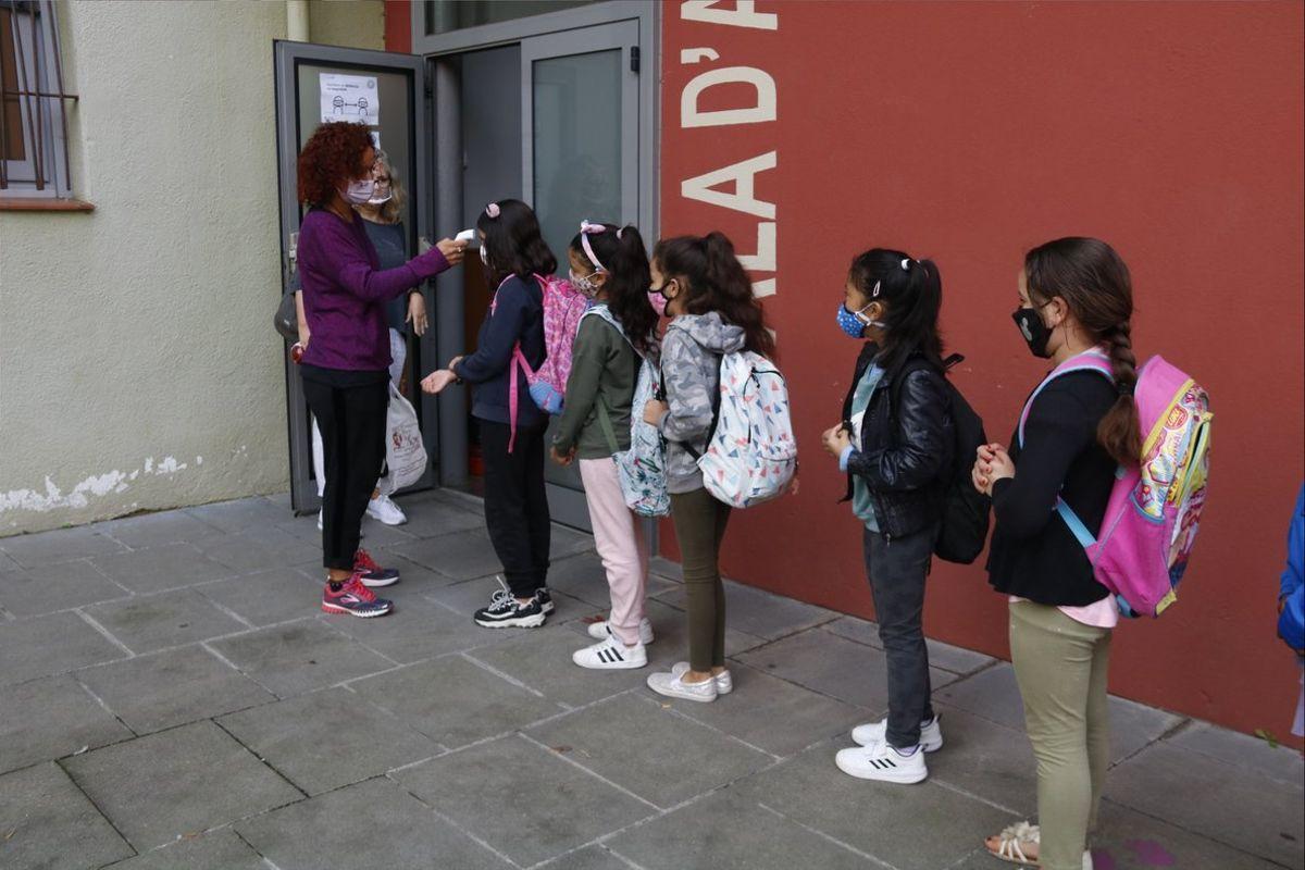 Catalunya estudia fer tests massius als professors a les escoles a la tornada de Nadal