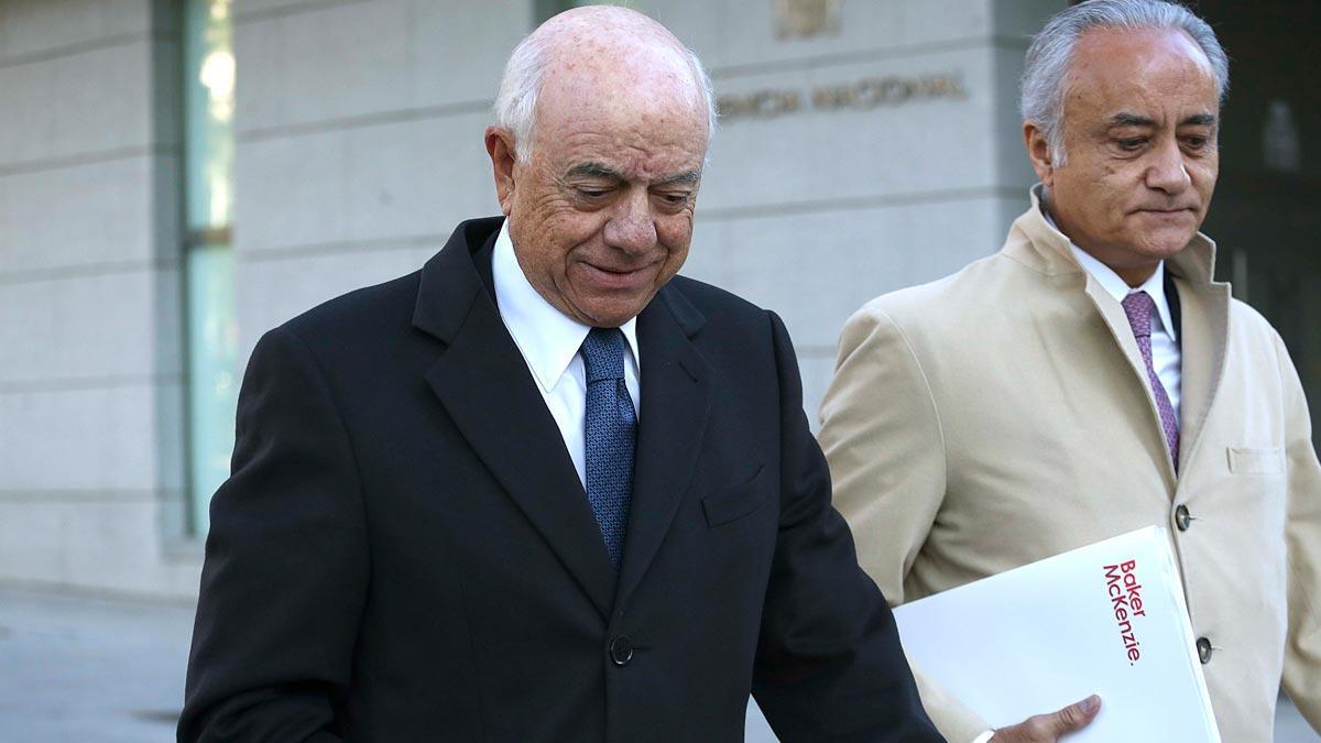 Francisco González y Javier Ayuso llegan a la Audiencia Nacional para declarar por el 'caso Villarejo'.