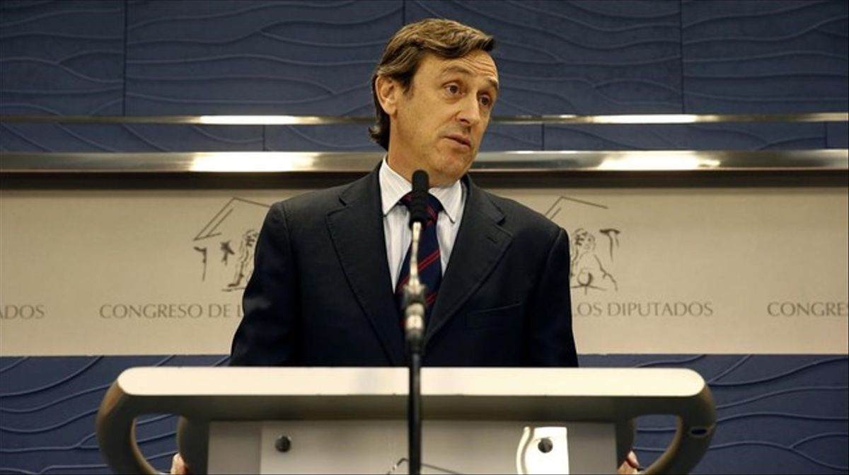 El portavoz del PP en el Congreso, Rafael Hernando, esta martes en rueda de prensa.