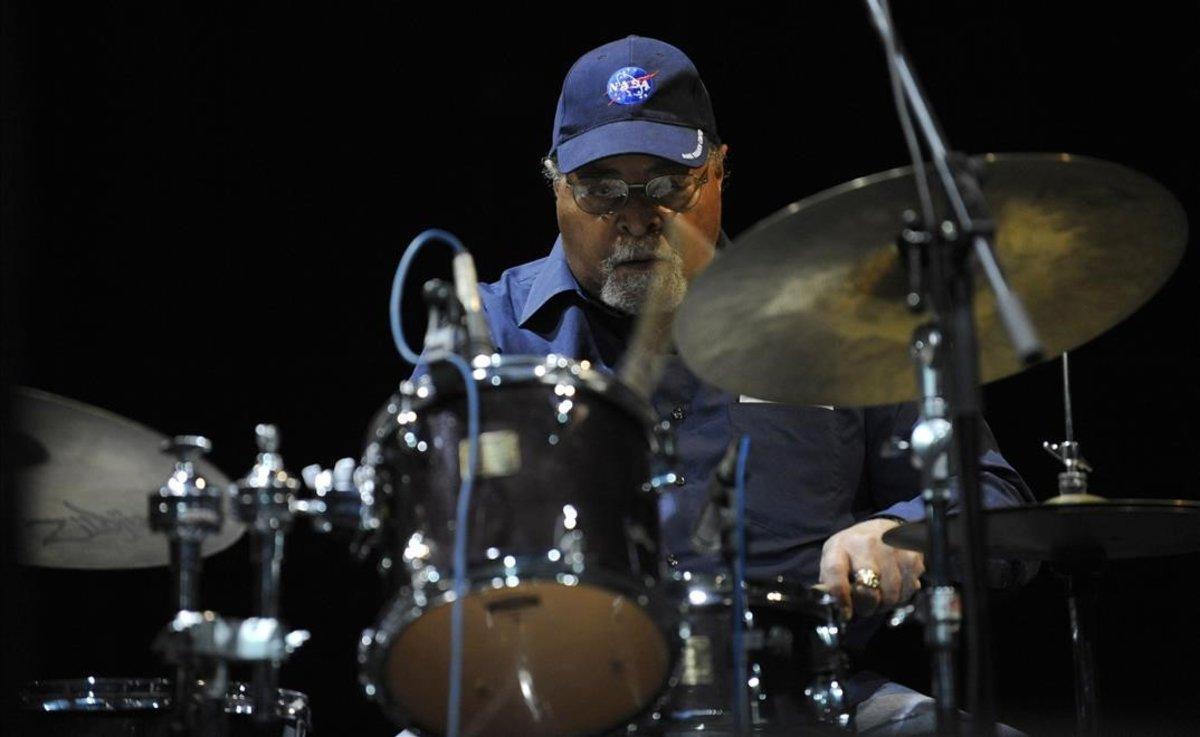 El mític bateria Jimmy Cobb demana diners per afrontar un problema de salut