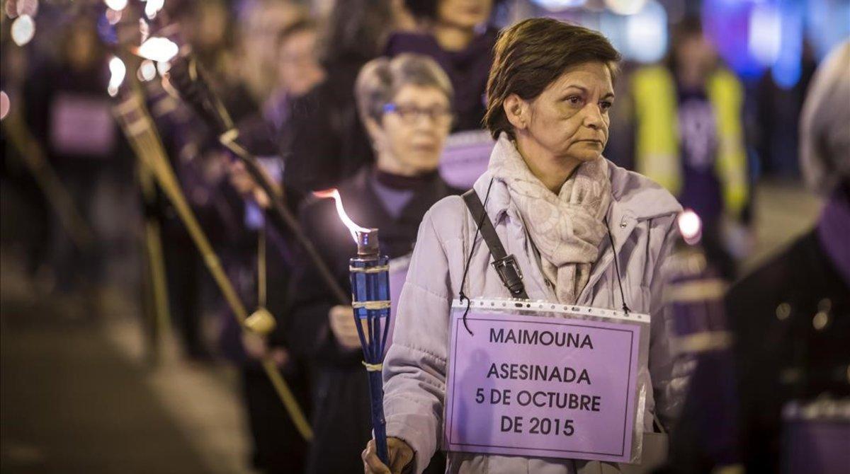 Manifestación en Valencia con motivo del Día Internacional para la eliminación de la violencia contra las mujeres y para recordar a las 48 mujeres asesinadas a manos de sus parejas o exparejas en el 2019.