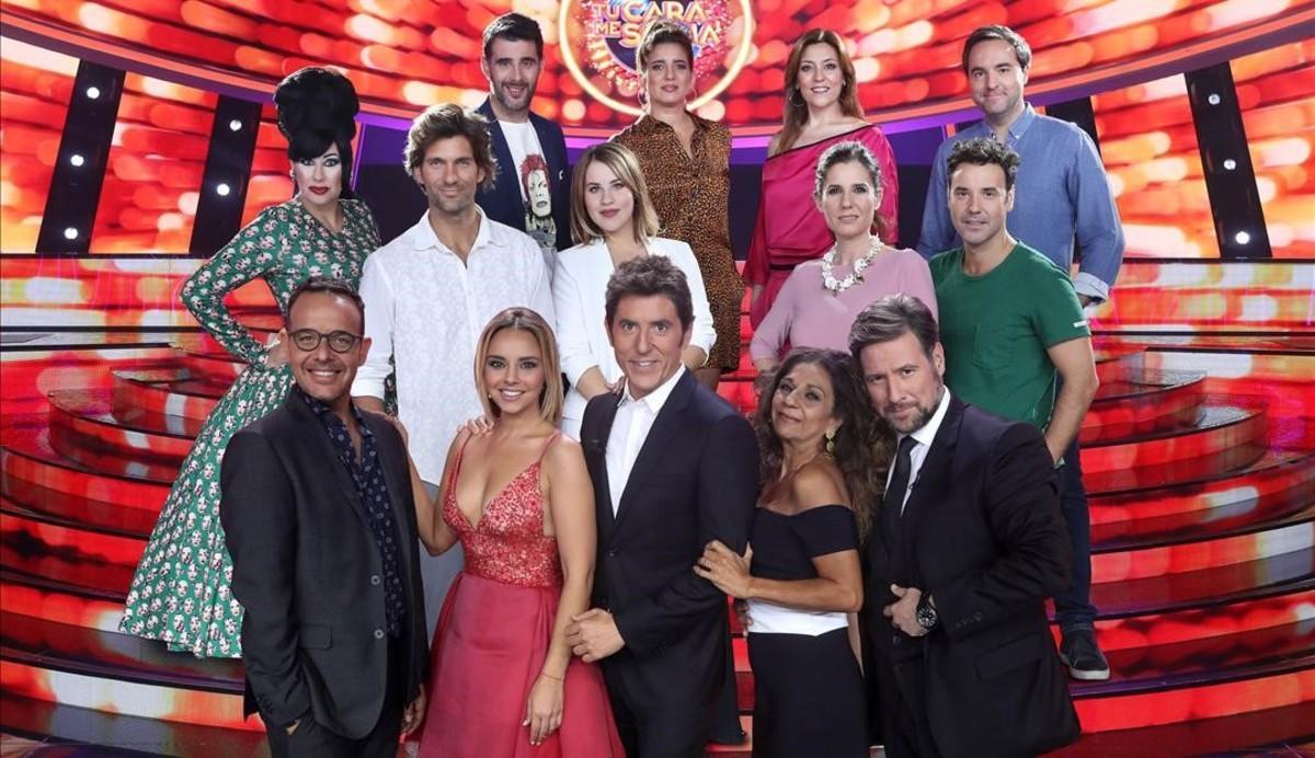 El jurado y presentador de 'Tu cara me suena', con los concursantes de la sexta edición del concurso de Antena 3.