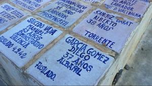 Nombres de fusilados que yacen en la fosa común de Paterna (Valencia).