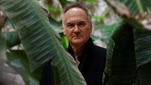 El escritor francés Hervé Le Tellier, autor de la novela 'La anomalía', en su reciente visita a Barcelona.