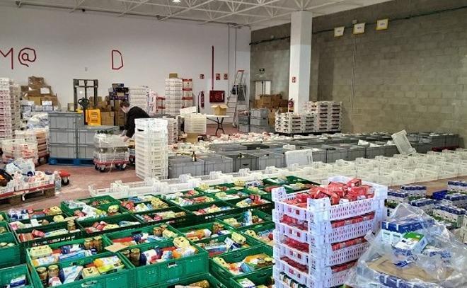 Hasta 2.600 familias dependieron de las ayudas alimentarias del Rebost Solidari de Sabadell en verano de 2020