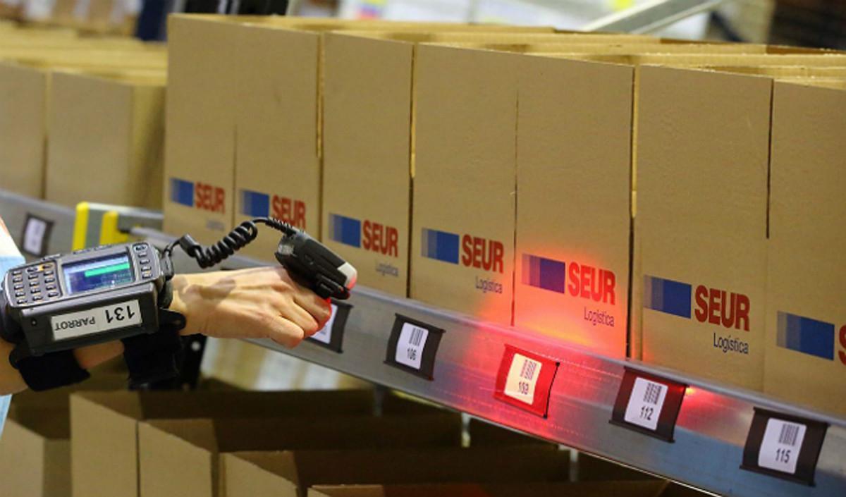 Control de paquetería en instalaciones de Seur.