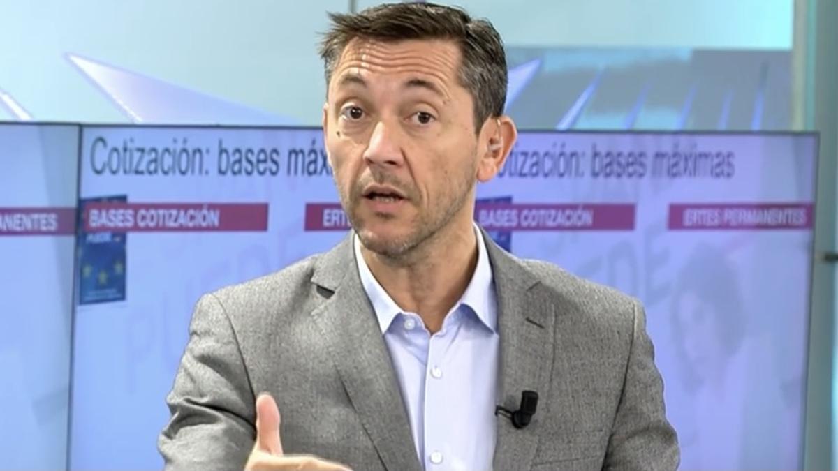 """Javier Ruiz defiende a Pablo Iglesias ante Ana Rosa Quintana: """"Se han traspasado límites éticos"""""""