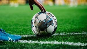 Un balón con el que se va a disputar la reanudación de la liga alemana.