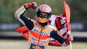 Marc Márquez (Honda) gana el GP de la República Checa e iguala en victorias a Mike Hailwood.