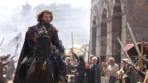 El actor turco Birkan Sokullu, en el papel del pirata genovés Giovanni Giustiniani, mercenario contratado por Constantino para repeler el asedio de Constantinopla.