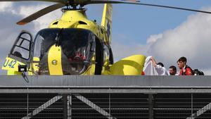 El helicóptero que transportó a Froome herido desde Roanne a su llegada al hospital de Saint Etienne.
