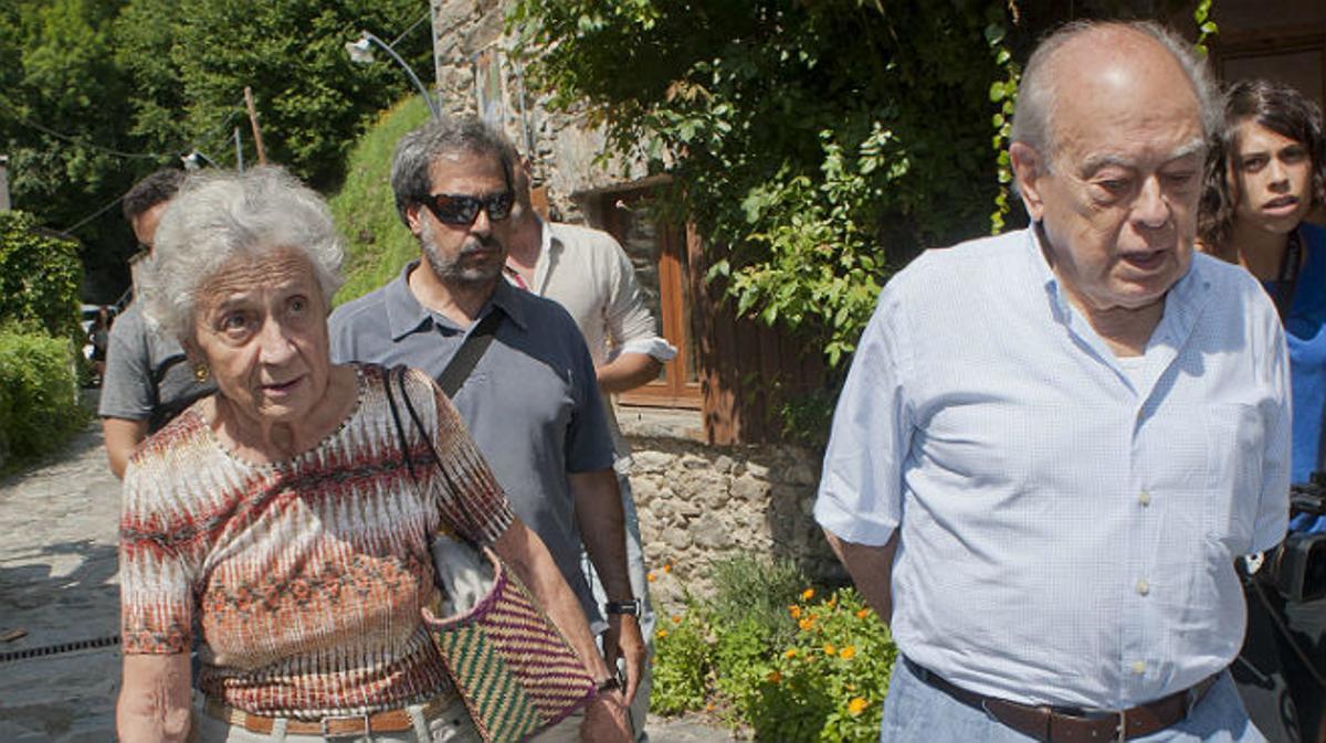 Una jueza de Barcelona ha pedido a las autoridades de Suiza y Andorra que investiguen todas las cuentas corrientes de la familia Pujol