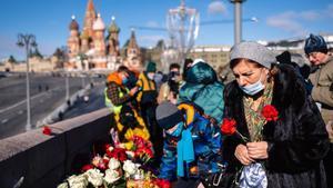 Acto de homenaje hoy en Moscú al opositor Boris Nemtsov, que fue asesinado cerca del Kremlin hace hoy seis años.