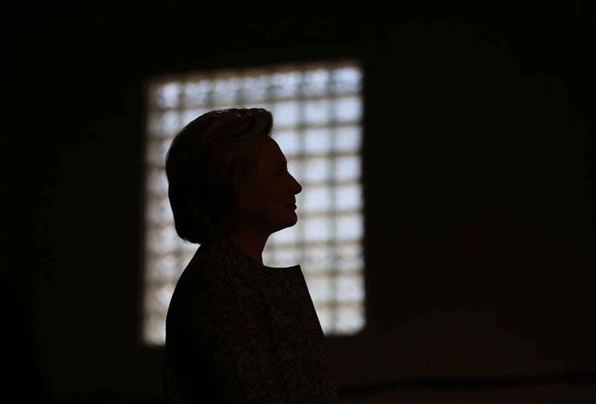 Hillary Clinton, habla durante un acto de campaña en el Douglass Parque Gynasium.