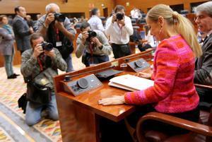 """El PP subraya que """"nadie está por encima de las siglas"""" mientras Rivera pide a Rajoy una alternativa a Cifuentes"""