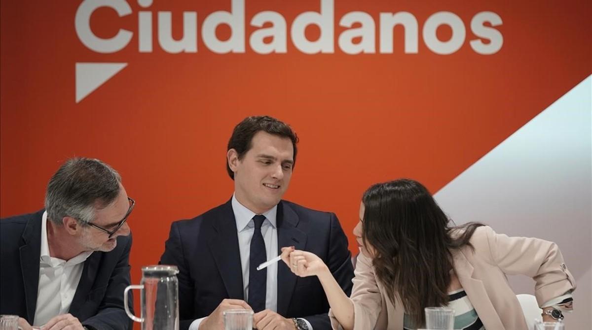 """Ciutadans convida els crítics a """"fer un pas al costat"""" si no assumeixen el 'no' a Sánchez"""