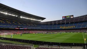 El Camp Nou, con un palco todavía sin presidente.