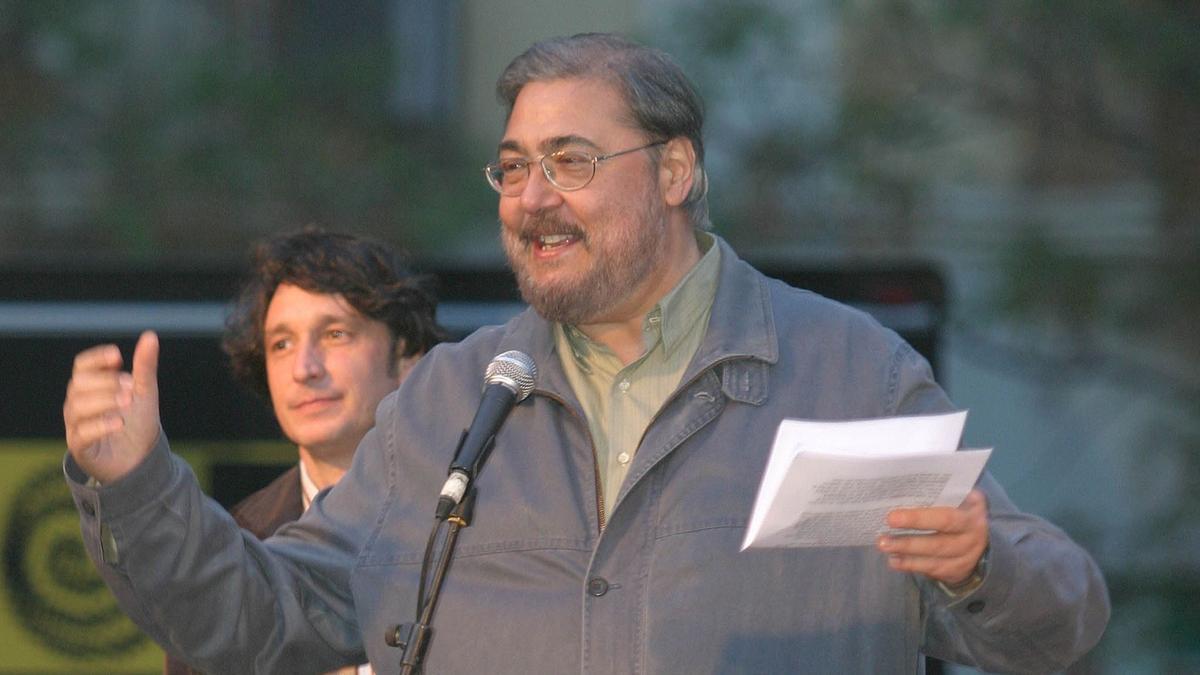 Antonio Franco durante el pregón de las fiestas del barrio de la Sagrada Familia