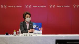 La presidenta del comité organizador de Tokio, Seiko Hashimoto, este lunes tras una reunión del comité ejecutivo