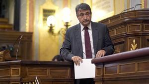 El portavoz del PNV, Aitor Esteban, este 21 de octubre durante la moción de censura de Vox en el Congreso.