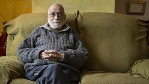 Arcadi Oliveres en su casa, el pasado día 8 de marzo.