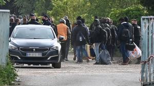 La policía francesa desaloja el campamento de Calais.