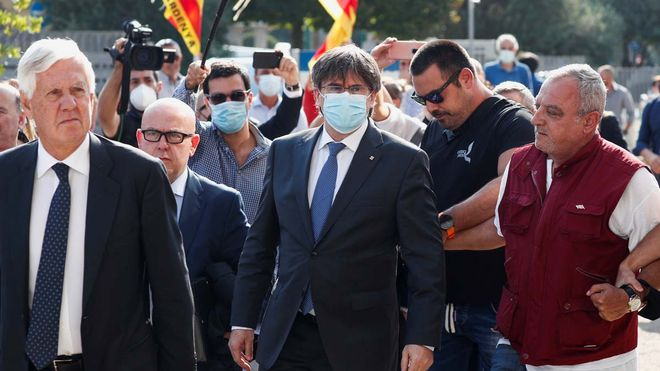 Puigdemont a su llegada al Tribunal de Apelación de Sassari, en Cerdenya