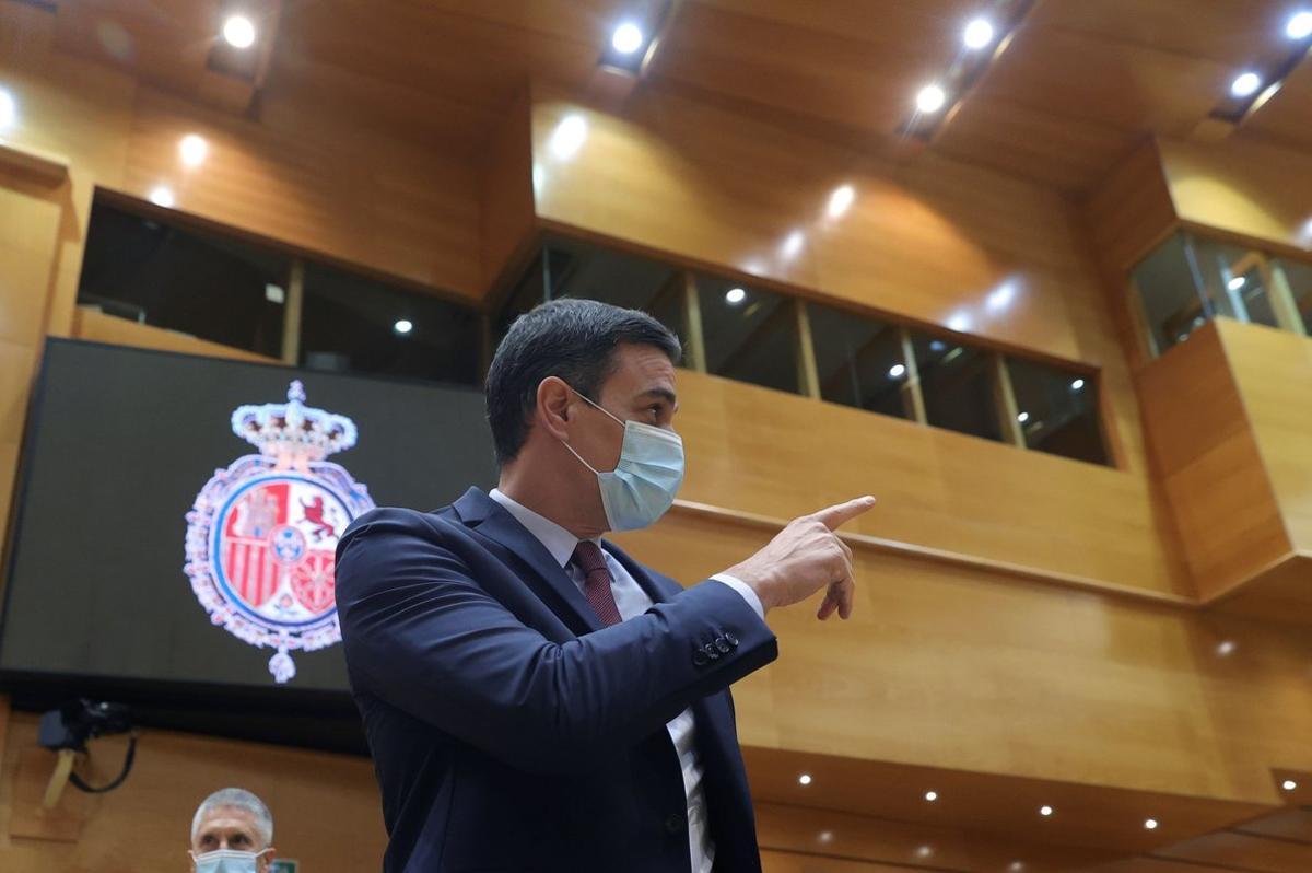 GRAF1746. MADRID, 16/06/2020.- El presidente del Gobierno, Pedro Sánchez, asiste a la sesión de control celebrada este martes en el Senado. EFE/Juanjo Martín