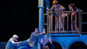 Un momento de 'L' èxit de la temporada',  la comedia de la productora El Terrat en el Teatre Coliseum.