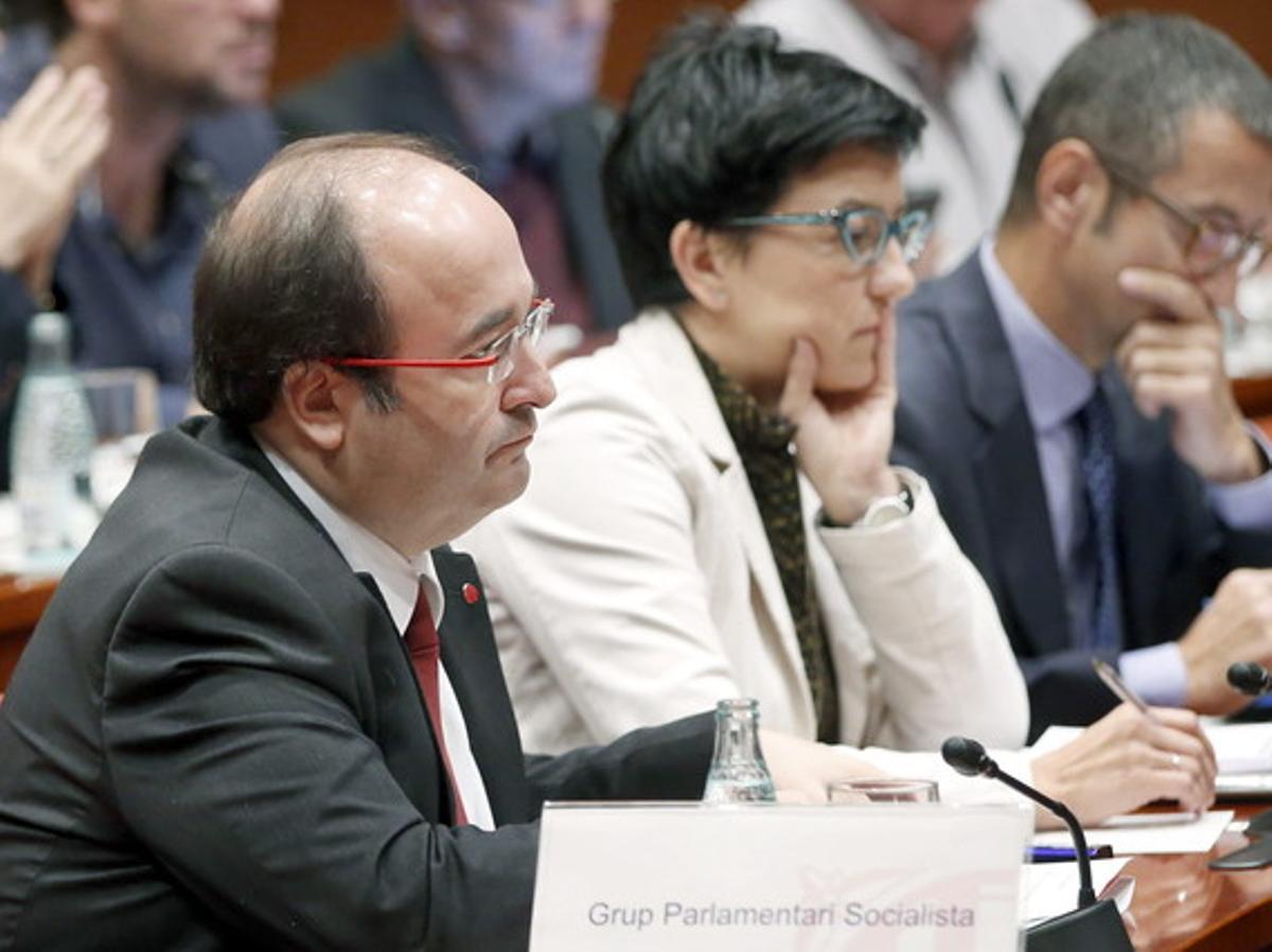 El primer secretario del PSC, Miquel Iceta, este viernes, durante su interpelación a Artur Mas.