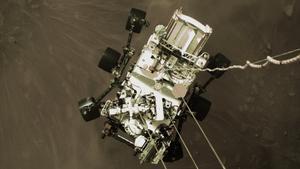 Primer selfie de Perseverance en Marte, en una vista cenital