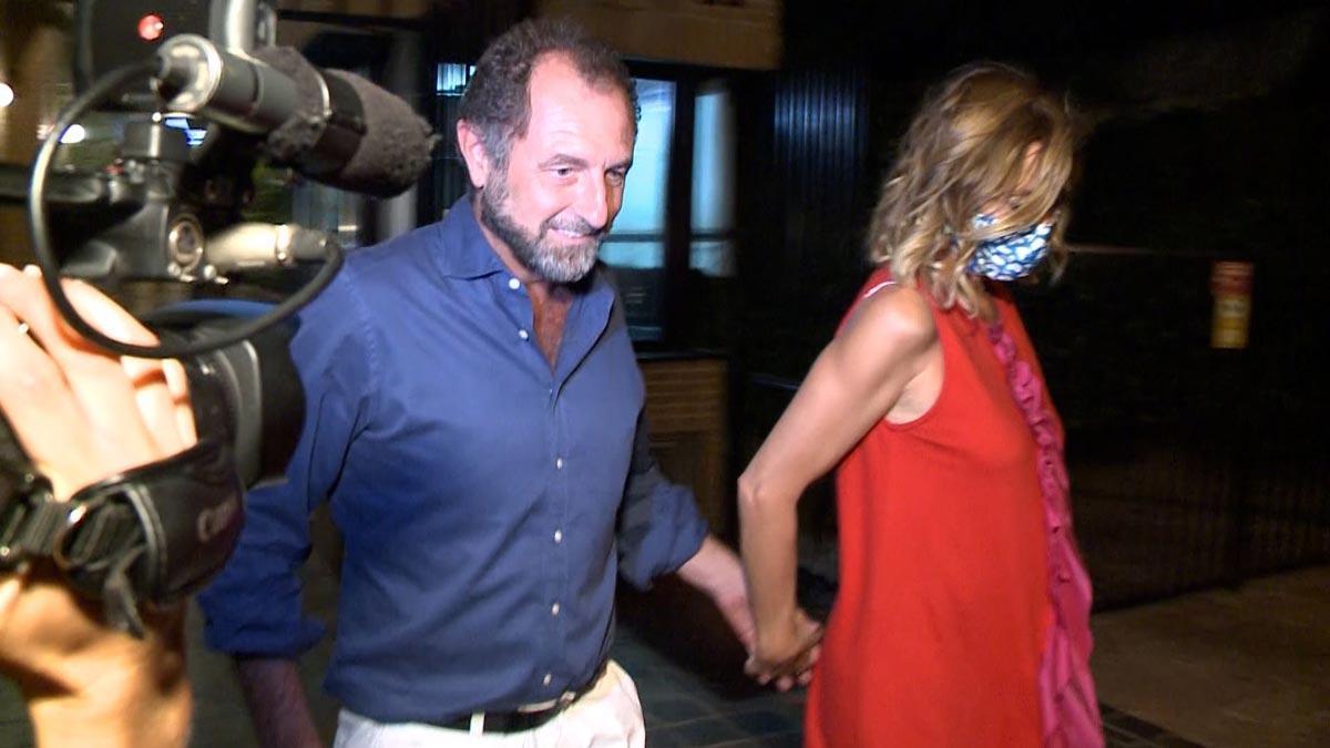 Agatha Ruíz de la Prada presume de felicidad al lado de Luis Gasset.