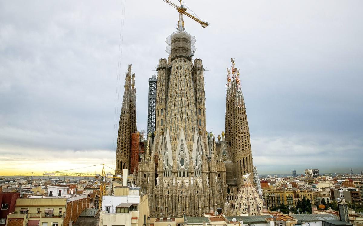 2021, estado actual de las obras el día que la Sagrada Familia presentó la torre de Jesús.