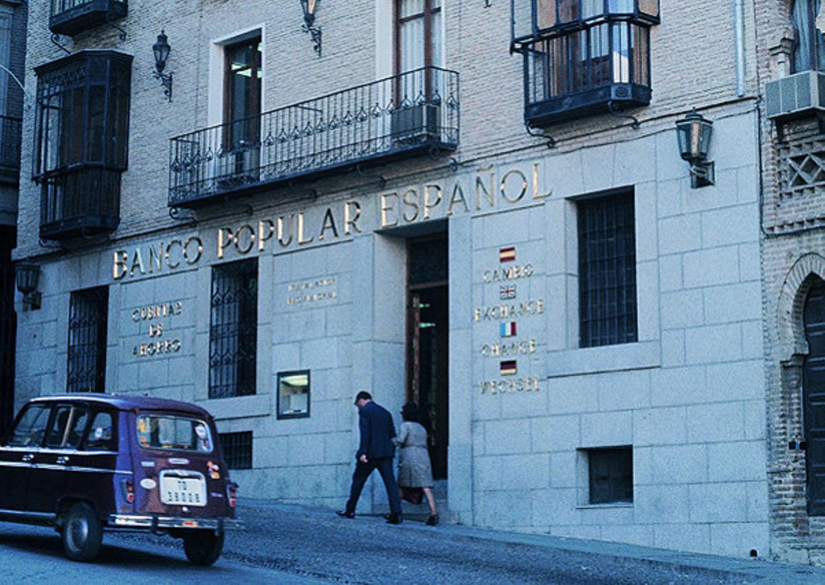Primera oficina bancaria que tuvo cajero en España en 1974, el Banco Popular de Toledo.