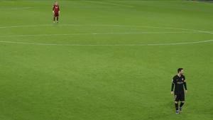 Ter Stegen y Messi, en el duelo contra el Cádiz en el Carranza.