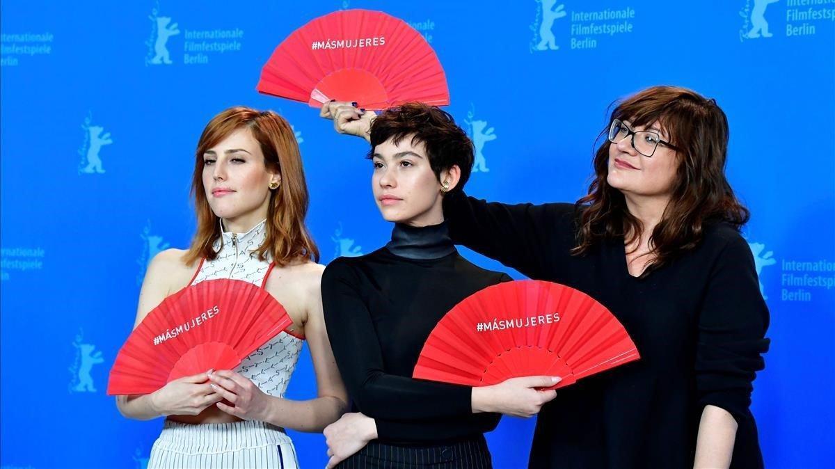 Natalia de Molina, Greta Fernández e Isabel Coixet, en la presentación de 'Elisa y Marcela' en la Berlinale