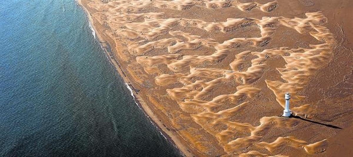 La playa que se consume