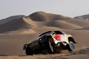 Loeb guanya la segona etapa en cotxes del Dakar