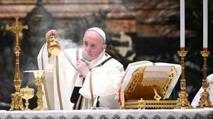El papa Francisco en la Misa de Nochebuena.