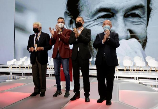 Sánchez rep el reconeixement de González i Zapatero i empodera Bolaños